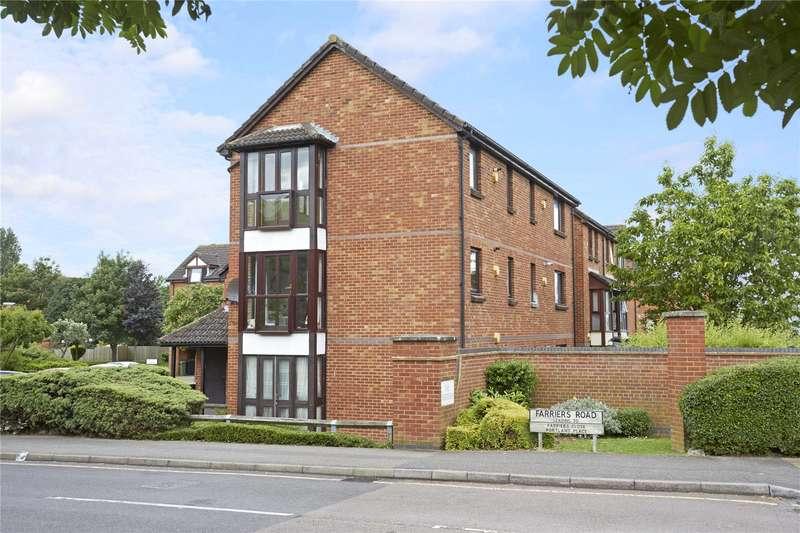 1 Bedroom Flat for sale in Farriers Road, Epsom, Surrey, KT17
