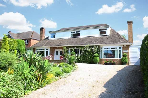 3 Bedrooms Detached Bungalow for sale in Tutbury Road Rural, Burton-on-Trent, Staffordshire