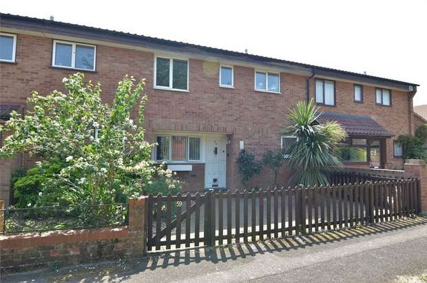 3 Bedrooms Terraced House for sale in Brampton Close, Cheshunt, Hertfordshire