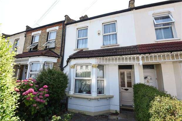 3 Bedrooms Terraced House for sale in Bensham Grove, THORNTON HEATH, Surrey, CR7