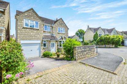 4 Bedrooms Detached House for sale in Ryland Close, Tetbury, Gloucestershire, .