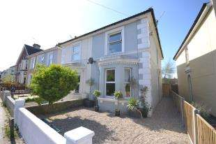 3 Bedrooms Semi Detached House for sale in St. James Road, Tunbridge Wells, Kent