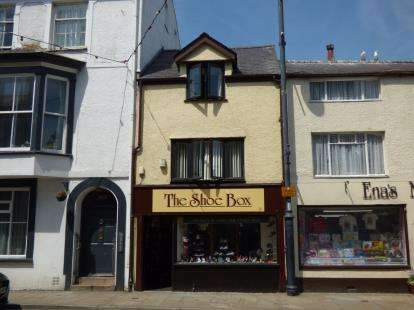 2 Bedrooms Terraced House for sale in Castle Street, Beaumaris, Anglesey, North Wales, LL58
