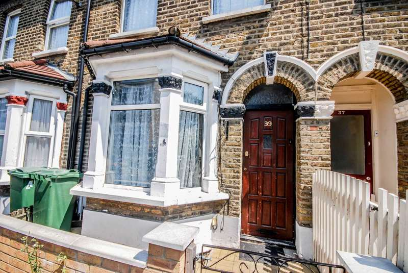 2 Bedrooms House for sale in Crescent Road, Leyton, E10