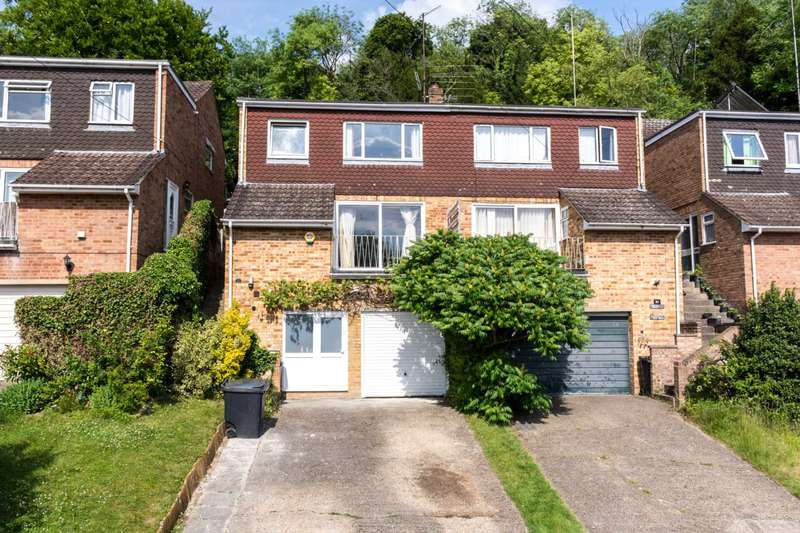 3 Bedrooms Semi Detached House for sale in Marlow Bottom