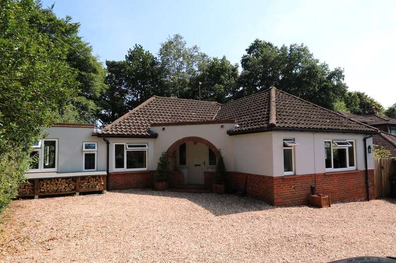 3 Bedrooms Detached Bungalow for sale in Aldershot Road, Church Crookham, Fleet, GU52