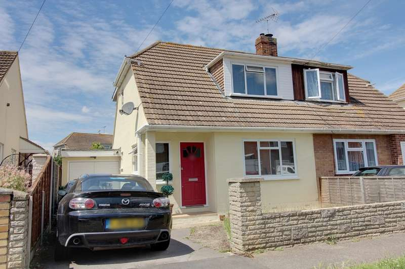3 Bedrooms Chalet House for sale in Leigh Beck Lane, Canvey Island