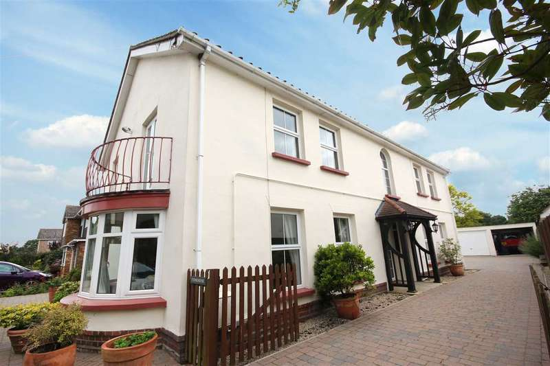 4 Bedrooms Detached House for sale in Vicarage Lane, Thorpe-Le-Soken