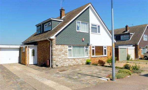2 Bedrooms Chalet House for sale in Kestrel Way, Great Clacton