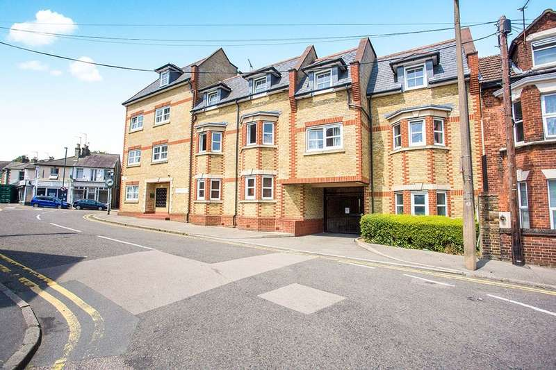 2 Bedrooms Flat for sale in Queens Road, Watford, WD17