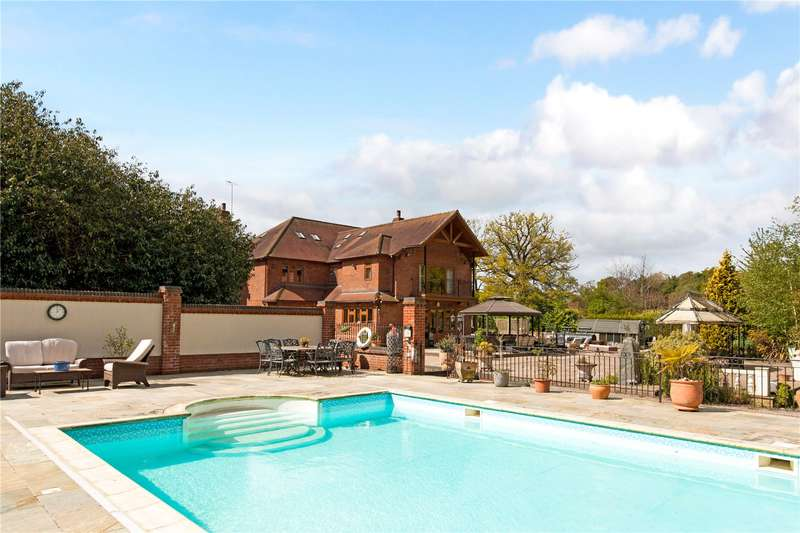 7 Bedrooms Detached House for sale in The Street, Rotherwick, Hook, Hampshire, RG27
