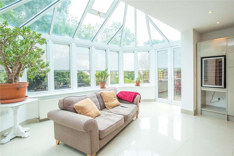 5 Bedrooms Detached House for sale in Woodville Road, Barnet, Hertfordshire, EN5