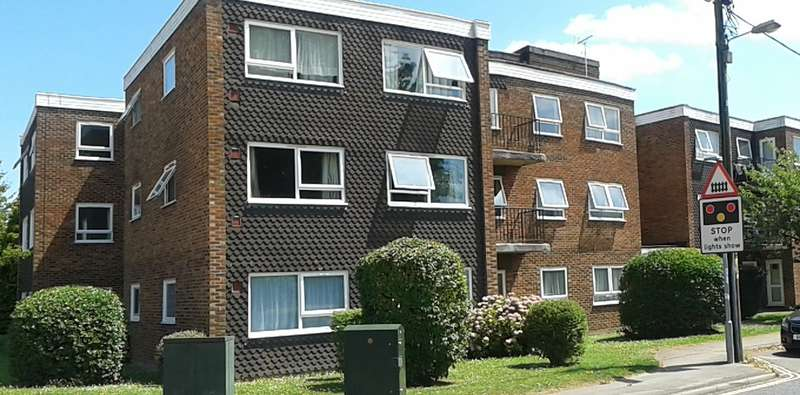 1 Bedroom Ground Flat for sale in Billingshurst