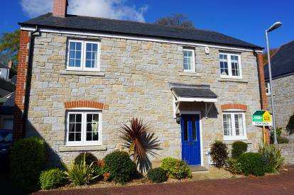 4 Bedrooms Detached House for sale in Duporth, St. Austell, Cornwall