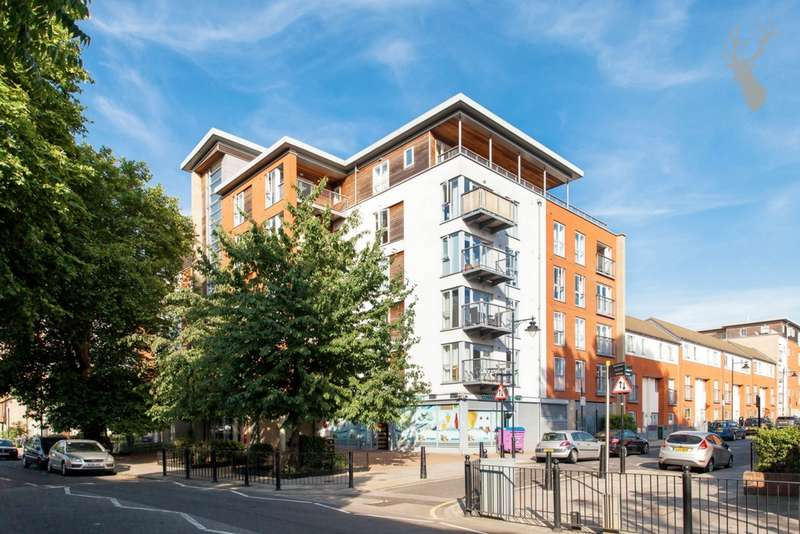 2 Bedrooms Flat for sale in Bevan Court, Tredegar Road, Bow, E3