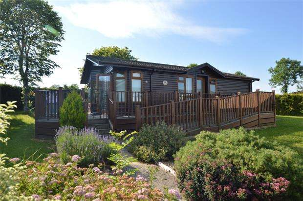 2 Bedrooms Detached Bungalow for sale in Blossom Hill Park, Dunkeswell, Devon