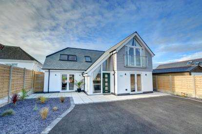4 Bedrooms Detached House for sale in Nr Padstow, Cornwall