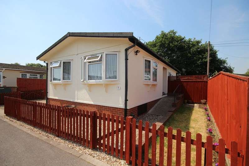 2 Bedrooms Mobile Home for sale in North Poulner Road, North Poulner, Ringwood