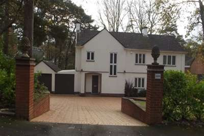 4 Bedrooms Detached House for rent in Pine Walk, Chilworth
