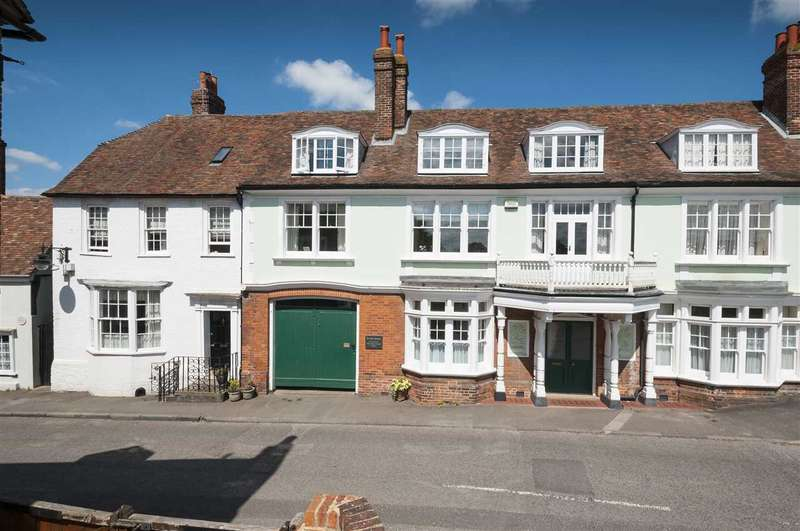 4 Bedrooms Terraced House for sale in Becket House, High Street, Charing