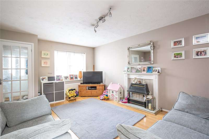 3 Bedrooms End Of Terrace House for sale in Burnham Close, Mill Hill, London, NW7