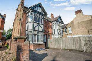 4 Bedrooms Semi Detached House for sale in Hayle Road, Maidstone, Kent