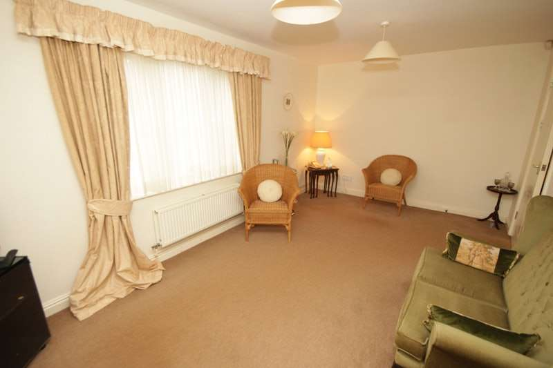 2 Bedrooms Apartment Flat for sale in Station Road, Wilmslow, Cheshire, SK9
