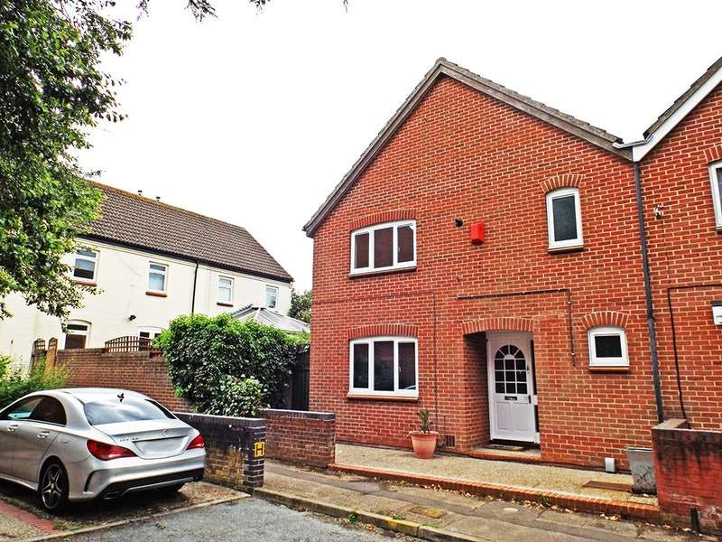 3 Bedrooms Semi Detached House for sale in notridge road, norwich, Norfolk, NR5