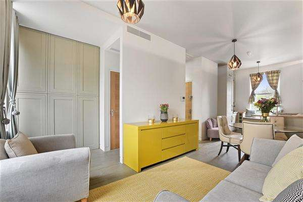 3 Bedrooms Apartment Flat for sale in Caledonian Road, London