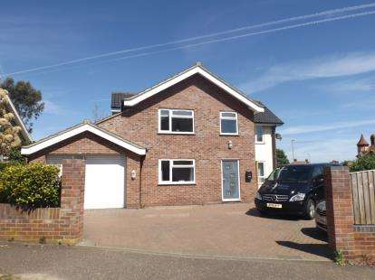 4 Bedrooms Detached House for sale in Cromer, Norfolk