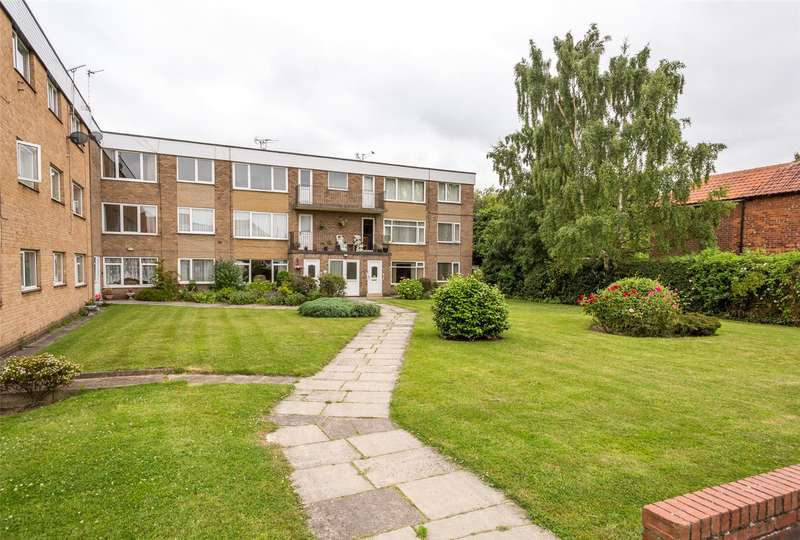 2 Bedrooms Flat for sale in Portholme Court, Selby, YO8