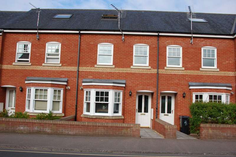 3 Bedrooms Terraced House for sale in Kingston Road, Taunton