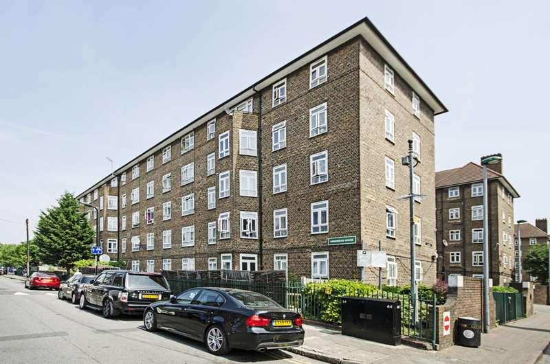 3 Bedrooms Flat for sale in Homerton Road, Hackney, E9