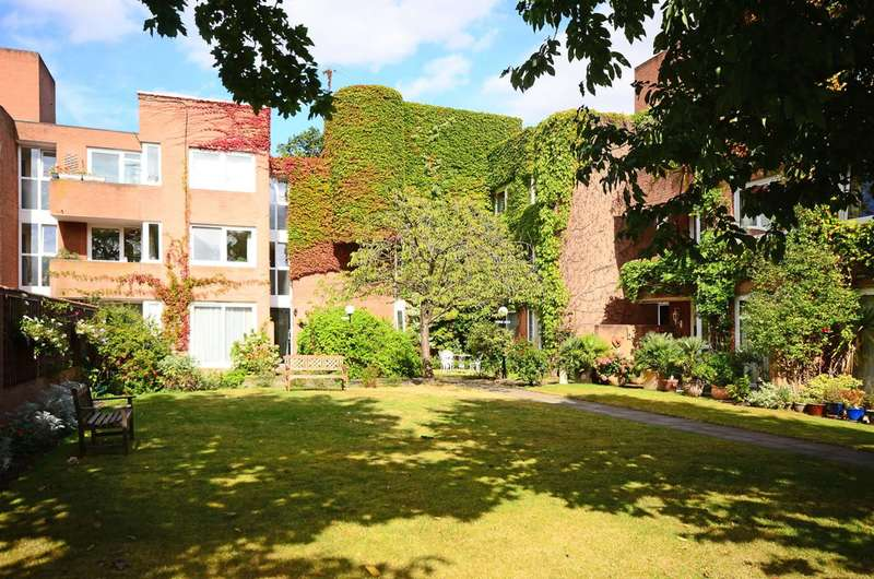 2 Bedrooms Flat for sale in Arterberry Road, Wimbledon, SW20