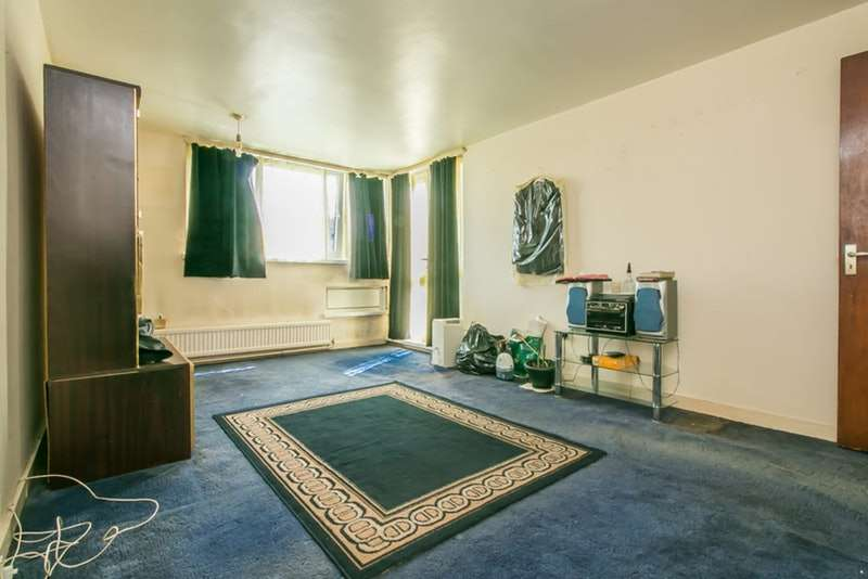1 Bedroom Flat for sale in Woodland Grove, London, London, SE10