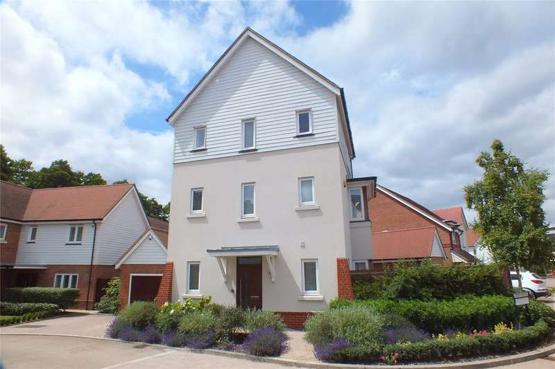 3 Bedrooms Detached House for sale in Pennyroyal, Fleet, GU51