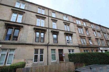 2 Bedrooms Flat for sale in Meadowpark Street, Dennistoun, Glasgow