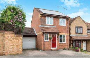 3 Bedrooms Detached House for sale in Cowley Avenue, Greenhithe, Kent, UK