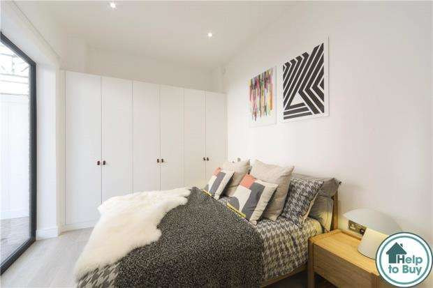 2 Bedrooms Apartment Flat for sale in Carey Road, Wokingham, Berkshire