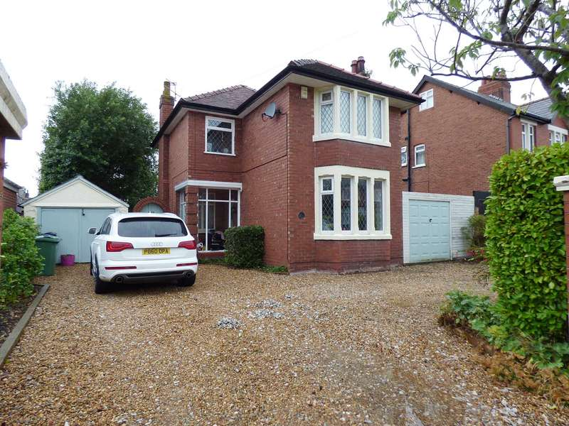 3 Bedrooms Detached House for sale in Lythall Avenue, Lytham.