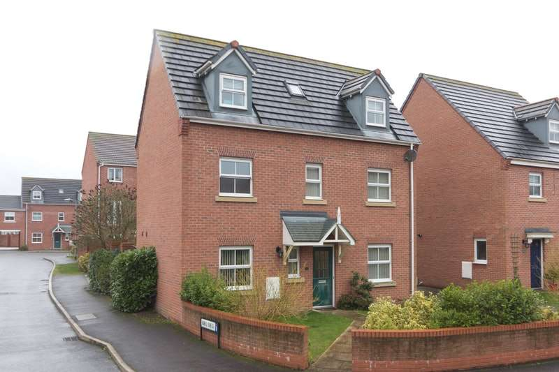 4 Bedrooms Detached House for sale in Bryn Coch, Wrexham, Flintshire, LL11