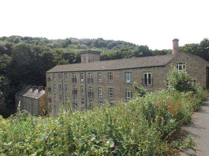 2 Bedrooms Flat for sale in Heritage Mills, Brook Lane, Golcar, Huddersfield