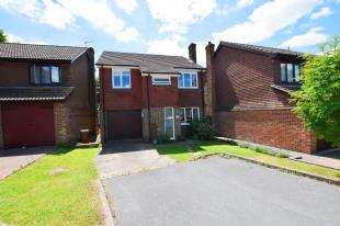 4 Bedrooms Detached House for sale in Cuckoo Drive, Heathfield, East Sussex