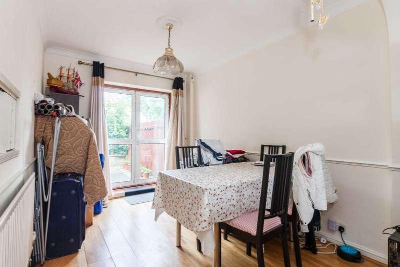 3 Bedrooms Semi Detached House for sale in Windsor Avenue, Uxbridge