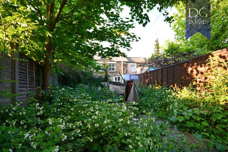 3 Bedrooms Terraced House for sale in Bruce Grove Area, Tottenham