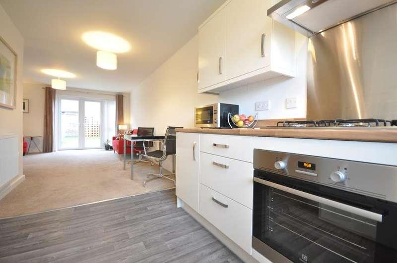 3 Bedrooms Terraced House for sale in Garrett Gardens, Blackpool, Lancashire, FY1 5FE