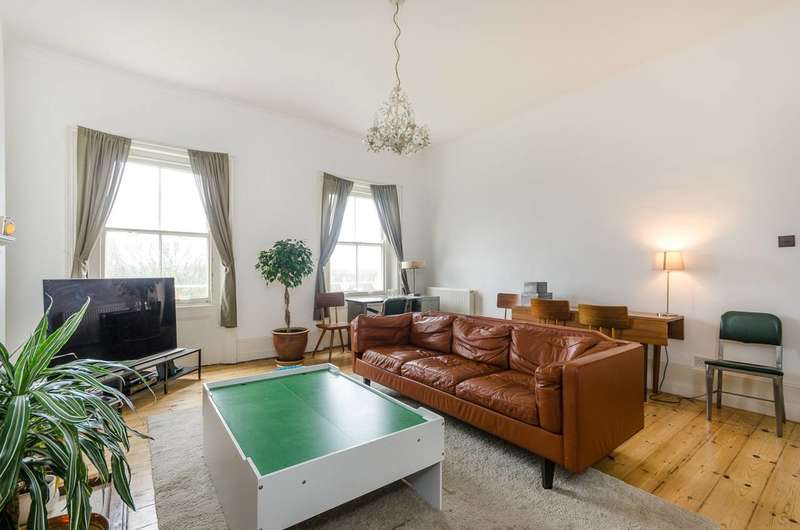 1 Bedroom Flat for sale in Manor Way, Blackheath, SE3
