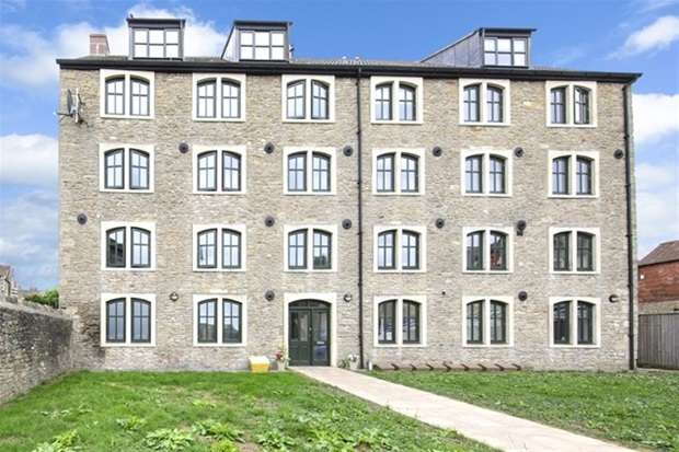2 Bedrooms Flat for sale in Rawlings Mill, South Parade
