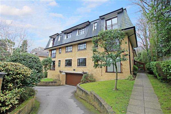 2 Bedrooms Flat for sale in Durrant House, 13 Cambridge Road, Bournemouth