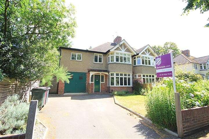 3 Bedrooms Semi Detached House for sale in Addington Road, Reading, RG1